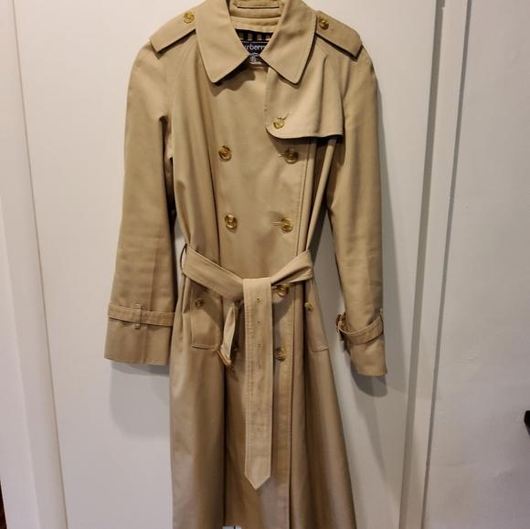 Vintage Burberrys Kensington trench coat